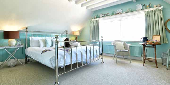 Visit Milford on Sea Bed and Breakfast Bedroom