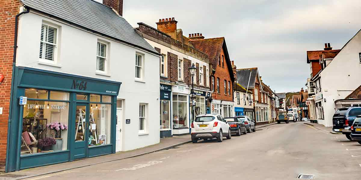 Visit Milford on Sea shops