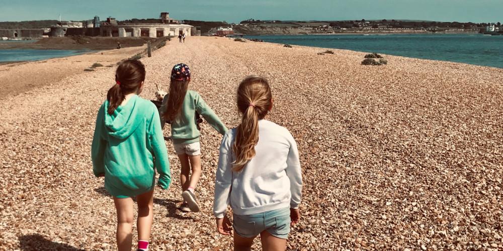 Visit Milford on Sea walk to Hurst Castle